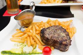 burger steak amerikanische küche in graz inside graz at