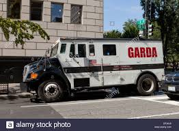 Garda Armored Truck - Yelom.agdiffusion.com Refurbished Ford F800 Armored Truck Cbs Trucks Mexican Cartel Found Near Border Meet The Police Swat Of Your Dreams Maxim Truck Spills Money After It Hit A Pothole And Crashed On I Wanted Heavy Vehicles Oklahoma Watch Cars Ukrainian Armor Varta 21st Century Asian Arms Race Robbed Outside Southeast Austin Bank Youtube Brinks Stock Photos Garda Armored Yelagdiffusioncom Seek Men Who Car At North Star Mall San Editorial Otography Image Itutions