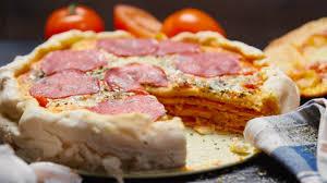 herzhafter pizza kuchen mit selbstgemachtem pizzateig