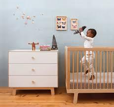 chambre bébé bois naturel chambre de bébé les styles du moment le de prairymood
