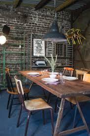 aufgearbeitete esszimmermöbel im vintage style aus köln auf