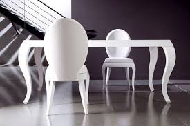 chaises de salle à manger design chaise salle manger couleur blanches design ovale table blanche c al