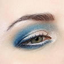 Blue Eyeshadow Tutorial For Hooded Eyes Bloggers We Love