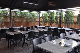 Moonshine Patio Bar And Grill by 25 Chicago Patios And Rooftops Open For The Season Chicago Tribune