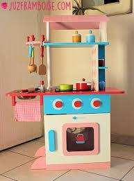 vertbaudet cuisine brigade vertbaudet 13 la cuisine en bois imaginarium ju2framboise