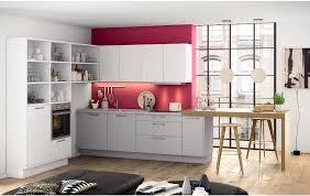 küche in l form mit thekenlösung in weiß grau und eiche