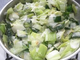 recettes de cuisine avec le vert du poireau recette de poireaux à la crème au micro ondes recettes diététiques