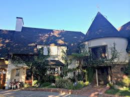 100 Hollywood Hills Houses Photos From Inside Walt Disneys Home And What Inspired Sleeping