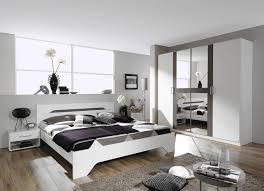 edles schlafzimmer in weiß dunkelgrau