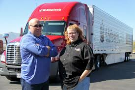 10 Best Trucking Companies For Team Drivers In US - Fueloyal - Page 2