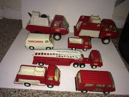 Vintage S S Tonka Toys Firetruck | ARDIAFM Tonka 1964 Fire Truck Hydrant 100 Original Patina One Owner Nice Vintage 1955 Tonka No 950 6 Suburban Pumper Fire Truck With Fire Truck On Shoppinder Metal Firetruck Vintage Articulated Toy Superior Auction 5 Water 1908254263 Suburban 1963 Paint Real Dept Hose Ladder Tfd A Sliding Ladder Vintage Toys Hydrant Wwwtopsimagescom Toys 1972 Aerial Photo Charlie R Claywell