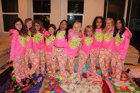 Things To Do On Halloween With Friends by Best Ever Bff Sleepover Youtube