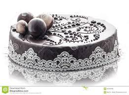 decoration patisserie en chocolat gâteau de chocolat exclusif avec la décoration de dentelle et de