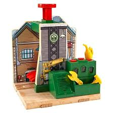Trackmaster Tidmouth Sheds Youtube by Fisher Price Thomas U0026 Friends Wooden Railway Steamworks Lift