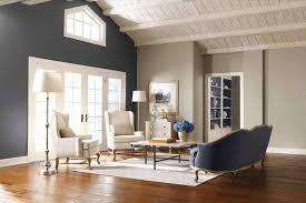 welche farbe passt zu braun brauner boden graue wände weiße