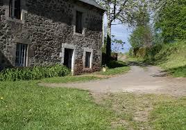 chambre d hote salers la maison de roche bas à bonnet de salers dans le cantal