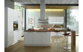 einbauküche ka 40 100 im strahlendem weiß und moderner arbeitsplatte kücheninsel und geräteblock