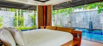 quarantäne in einer pool villa auf der insel phuket