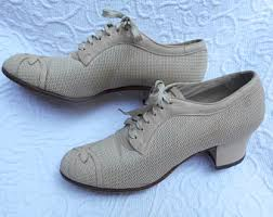 Vintage Downton Abbey Style Low Ankle Heels Beige Mesh And Leather Lace Ups