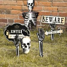 Halloween Scene Setters Uk by Halloween Decorations Party Pieces