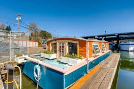 100 Lake Union Houseboat For Sale Cozy Little Orca Houseboat Asks 275K On Curbed
