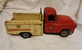 100 Vintage International Harvester Truck Parts Die Cast Red White Service