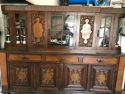 wohnzimmer schrank antik schöner alter schrank aus holz