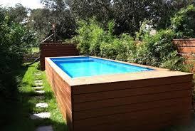 Deep Pallet Wood Pool