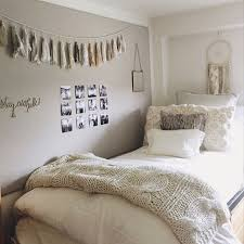 Warm Neutrals In A Dorm Room Gives Calm Comfy Cozy Vibe