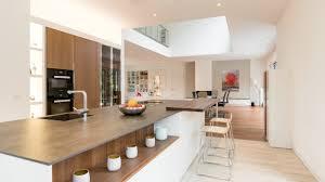 großzügige villa im bauhaus stil modern küche