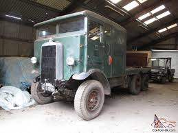 100 1940 Trucks Leyland Six Wheel Ex Birmingham Transport Recovery Truck