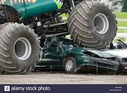 100 Monster Monster Truck Monster Truck Big Wheels Trucks Suv Suvs Offroader 4 By