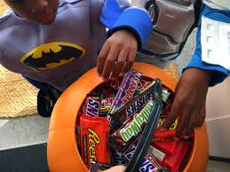 Top Halloween Candy Favorites by 7 Scary Good Ways To Save On Halloween Candy The Krazy Coupon Lady
