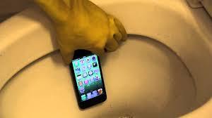Apple iPhone 5 Toilet Flush Test