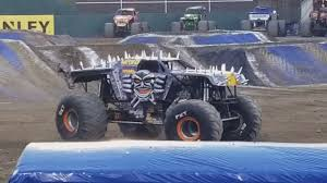 100 Monster Truck Show Oakland Ca Maximum Destruction MaxD Goes Off Colosseum Feb 18 2018