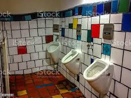 bunte badezimmer stockfoto und mehr bilder bunt farbton