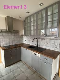 küche landhaus in grau mit elektrogeräten
