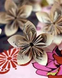 Kusudama Paper Flowers The Rag And Bone Has Made These From Old Book Pages Points Us To Some Tutorials For Making Our Own