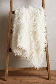 plaids fausse fourrure pour canapé plaid fausse fourure free plaid fausse fourrure marmotte ecru