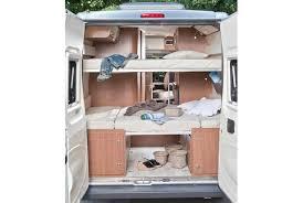 des lits superposés arrière pour 4 couchages aménagement fourgon