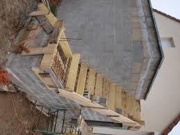 montage de l escalier béton extérieur si cela peut aider quelqu