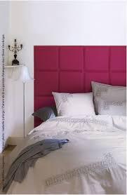 chambre avec tete de lit capitonn tête de lit capitonnée en carreaux de cuir fushia