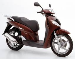 A Sydney Rider Describes That He His Wife Two Up Can Even Ride In Reasonable Comfort At 110kmh On The Expressway Scooter Community Honda SH150i