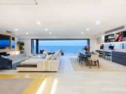 100 Beach House Gold Coast Sold By Kollosche Prestige Property Apartment 5 Temple