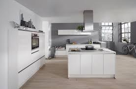 grifflose küche puristische küchen ohne griffe