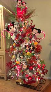 Christmas Tree Toppers Disney by Best 25 Mickey Mouse Christmas Tree Ideas On Pinterest Disney