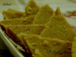 SUKHDI Also Know As GOLPAPDI Gol Means Jaggery And Papdi A Thin Layer Is Traditional Sweet From The State Of Gujarat