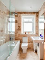 helles badezimmer mit steinfliesen bild kaufen 11977401