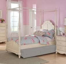 king size canopy bed with curtains king size canopy bed frame carved posts and purple green and white
