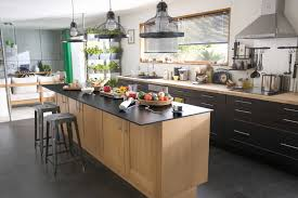 cuisine en u avec table cuisine avec ilot beautiful lot central moderne newsindo co